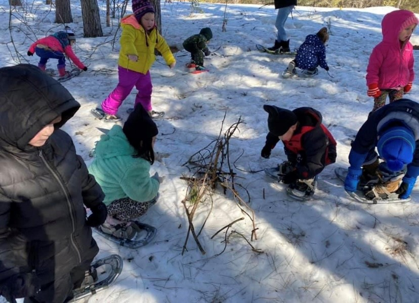 SNAP-Ed outdoor classroom snowshoeing